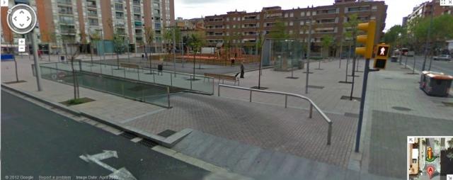 Plaza Garrigó hoy día. Nada más desolador. Por la temporada los árboles no muestran ningún verdor aún.